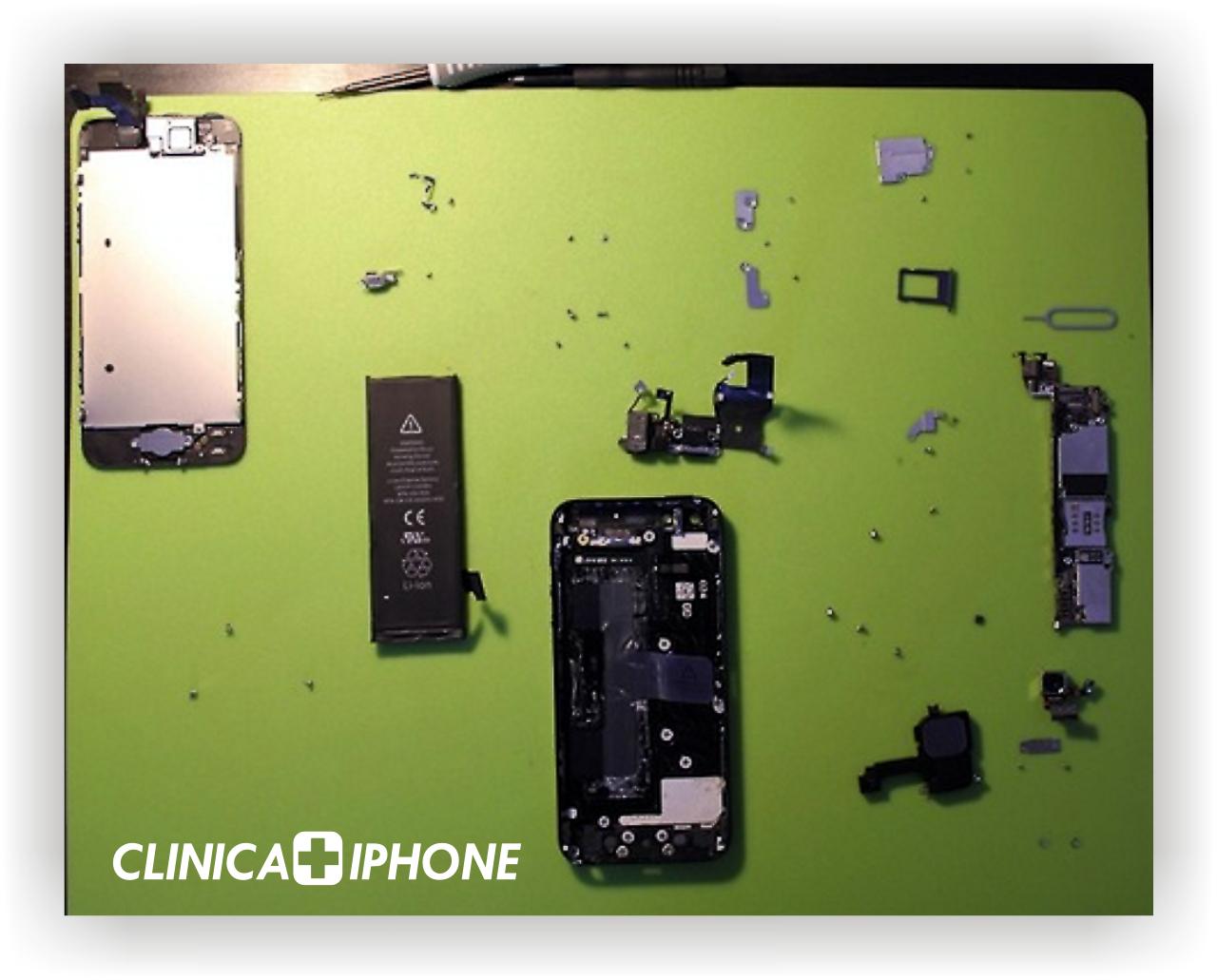smontaggio iphone 5, iphone 5 smontaggio, sostituzione display, istruzioni smontaggio iphone 5, riparazione iphone 5 roma , riparazione iphone 5 a roma,