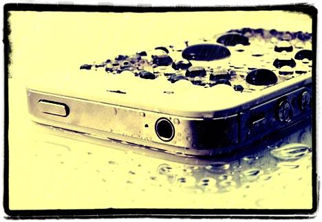 riparazione iphone caduto in acqua, iphone caduto in acqua a roma