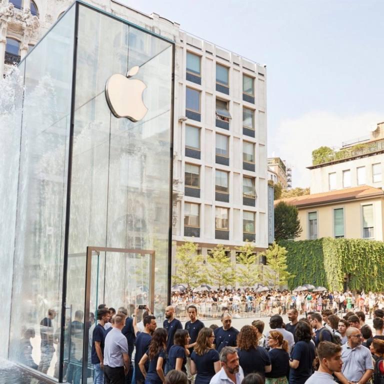 apple-milan-piazza-liberty_piazza-outdoor-que_07262018-2